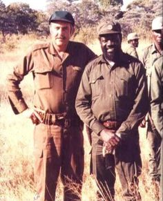 Pik enSavimbi - So bietjie ge-Brannas en Saam gejag? Military Special Forces, Defence Force, Tactical Survival, Armies, Air Show, Afrikaans, Aerial Photography, Cold War, Military History