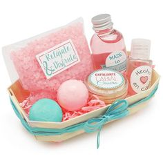 16th Birthday Gifts For Best Friend, Cute Gifts For Friends, Best Friend Gifts, Pamper Hamper, Birthday Box, Aromatherapy Candles, Party In A Box, Diy Crafts To Sell, Diy Gifts