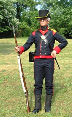 Uniform Packages | United States Marine Corps Historical Company Us Marines Uniform, Marine Corps Uniforms, Marine Corps History, Marine Corps Bases, Navy Uniforms, Army Uniform, Military Uniforms, Military Units, Military History