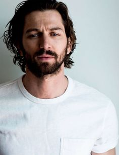 Michiel Huisman para Man of the World No. Michiel Huisman (Daario Naharis in Game of Thrones) Mode Masculine, Michael Huisman, Pretty People, Beautiful People, Beautiful Pictures, Game Of Throne Actors, Moustaches, Looks Style, Bearded Men