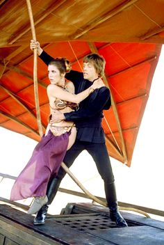 Carrie Fisher as Princess Leia Organa & Mark Hamill as Luke Skywalker - Star Wars: Episode VI - Return of the Jedi Leia Star Wars, Star Wars Rebels, Star Wars Episoden, Mark Hamill, Carrie Fisher, Princesa Leia, Austin Powers, Starwars, Maia Mitchell