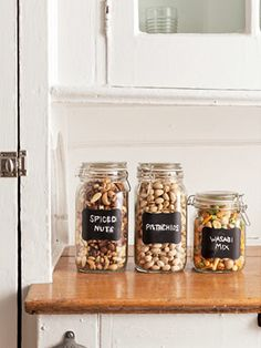 Greet your guests with storage-friendly snacks like pistachios, a wasabi mix, and crackers. #parties #entertaining