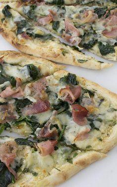 15 Minute Prosciutto and Spinach Flatbread Pizza Recipe; so easy and tasty!