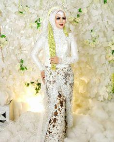 Foto Wedding, Dream Wedding, Akad Nikah, Traditional Wedding Dresses, Kebaya, Wedding Poses, Bridge, Wedding Inspiration, Concept