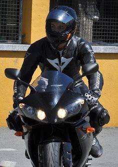 Bikes and Bikers / Motos y Moteros Yamaha Bikes, Yamaha Yzf R1, Motorcycles, Moto Car, Moto Bike, Ducati, Honda, Bike Leathers, Motorcycle Suit