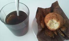 """En el té de media mañana he aprovechado para probar una #muffin de limón con semillas de amapola"" #singluten #magdalenas #muffins Sin Gluten, Muffin, Ice Cream, Desserts, Food, Taken Advantage Of, Fairy Cakes, Deserts, Glutenfree"