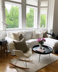 Les 1000 meilleures images du tableau wohnzimmer sur - Schaukelstuhl skandinavisch ...