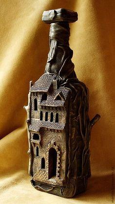 Купить Бутылка-замок - коричневый, бутылка, подарок мужчине, стекло, керамика, натуральная кожа
