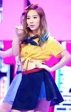 """Taeyeon // """"Dancing Queen"""" LIVE"""