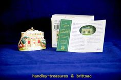 Lilliput Lane The Banqueting House Christmas Ornament 2009 Box & Deeds
