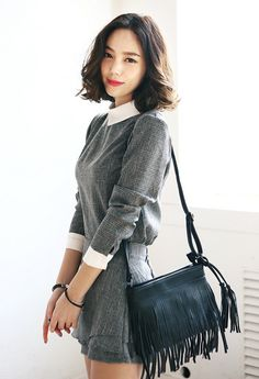 Itsmestyle - Korean fashion. Grey dress, white collar, black fringe bag.