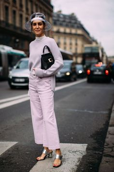 All lavender look: Best Street Style Looks of PFW Fall 2018