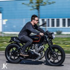 Yamaha XS 400 by Ironwood Custom Motorcycles.