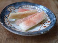 Suika-no-asazuke, kevyesti pikkelöidyt vesimeloniviipaleet