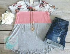 FLORAL-COLORBLOCK TEE