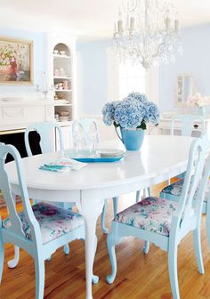 Blazing saved shabby chic dining room decor Choose your Shabby Chic Dining Room, Shabby Chic Decor, Shabby Chic Table And Chairs, Home Fashion, Sweet Home, House Design, Design Room, Interior Design, Interior Plants