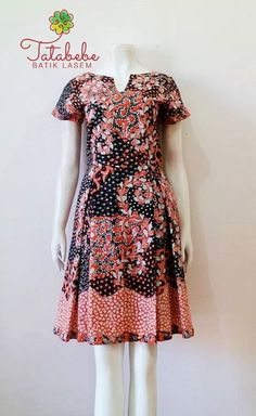 Blouse Batik, Batik Dress, Myanmar Traditional Dress, Traditional Dresses, Gothic Lolita Fashion, Emo Fashion, Batik Couple, Batik Kebaya, Batik Pattern