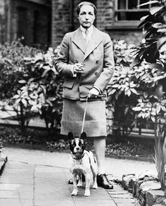 This picture is of Radclyffe Hall, a lesbian in the century. here she is representing a mannish look because she wears a tie and collared shirt. Karen Mok, Tomboy Look, Kissy Face, Cat Perch, Cat Stands, Writers And Poets, Gender Bender, Small Dog Breeds, Small Breed