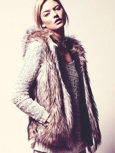 kahverengi kürk yelek krem kadın kazak triko Kadın kürk yelek modelleri 2015 kış modası kombinleri