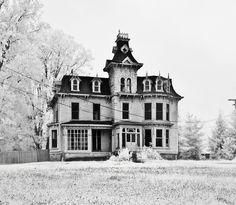 Gothic, creepy, lovely. http://media-cache9.pinterest.com/upload/270356783850612614_RJk14zWR_f.jpg kkay house love