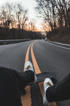 Free Tree, Skateboard, Road Surface, Video Wallpaper, Background and Image Summer Aesthetic, Aesthetic Vintage, Aesthetic Photo, Aesthetic Pictures, Skate Photos, Skateboard Pictures, Skateboard Art, Madara Wallpapers, Car Wallpapers
