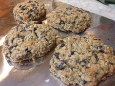 21 Day Fix Oatmeal Chocolate Chip Cookies | 21 Day Fix Containers: 1 Yellow, 1/4 Purple for 2 cookies Running Diet, 21 Day Fix Snacks, 80 Day Obsession, 21 Day Fix Extreme, Oatmeal Chocolate Chip Cookies, Delicious Deserts, Healthy Treats, Healthy Foods, Healthy Eating