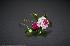 2017 沈丁花 簪【 瑞香 】Daphne odora - Kanzashi, Hair Stick, Hair Pin, Hair Ornaments - by Sakae, Japan Photo by Ryoukan Abe (www.ryoukan-abe.com)   Auction page ▶http://page18.auctions.yahoo.co.jp/jp/auction/w170477498  Flickr ▶http://www.flickr.com/photos/sakaefly