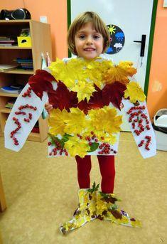 ŠATY DĚLAJÍ ČLOVĚKA - komponování přírodnin do zajímavých vzorů na podzimním oblečení (práce s přírodním materiálem)