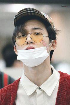 Ikon Wallpaper, Emoji Wallpaper, Yg Artist, Ikon Member, Winner Ikon, Ikon Kpop, Kim Hanbin, Airport Style, Yg Entertainment