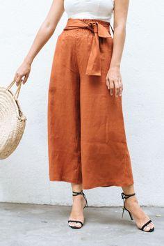 DIY Wide Leg Linen Pants Estilo Fashion, Diy Fashion, Fashion Trends, Fashion Fall, Fashion Online, Fashion Ideas, Fashion Websites, Gothic Fashion, Fashion Women