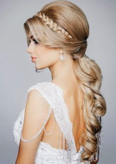 Best Wedding Hairstyles of 2014 - Belle the Magazine . The Wedding Blog For The Sophisticated Bride http://FashionCognoscente.blogspot.com