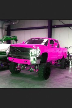 pink lifted truck? With camo seat covers and everything else? Yes please