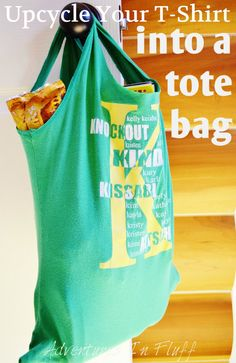 Upcycle your shirt into a tote bag! Easy #DIY and an added bonus: just through them in with your laundry once in a while!