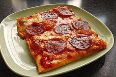 Knusprig dünne Pizza mit Chorizo und Mozzarella, ein raffiniertes Rezept aus der Kategorie Pizza. Bewertungen: 226. Durchschnitt: Ø 4,8.