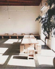 Minimalist Perfection at LA's Maru Coffee - Remodelista Cafe Shop Design, Cafe Interior Design, Minimalist Interior, Minimalist Design, Korean Coffee Shop, Korean Cafe, Coffee Shop Aesthetic, Coffee Design, Shop Interiors