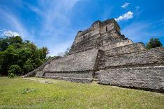 bestmayanruinstovisitinbelize  Making a pilgrimage to Belize to visit the top Mayan ruins isn't just a great idea but a promise you make to yourself if this society fascinates you.