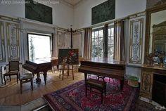 Château de Malmaison. Furniture, Home Decor, Europe, Italia, Decoration Home, Room Decor, Home Furnishings, Home Interior Design, Home Decoration