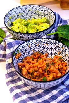 Tártaro de Salmão Asiático com  Abacate - http://gostinhos.com/tartaro-de-salmao-asiatico-com-abacate/