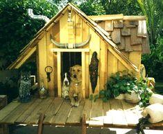 Dishfunctional Designs: Amazing Dog Houses Made With Upcycled Wood Pallets Dog Training Techniques, Dog Training Videos, Training Your Puppy, Training Dogs, Custom Dog Houses, Cool Dog Houses, Amazing Dog Houses, Pet Houses, Awesome House