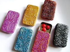 How to Make Clay Pill Boxes - full tutorial on our blog! #gifts #crafts