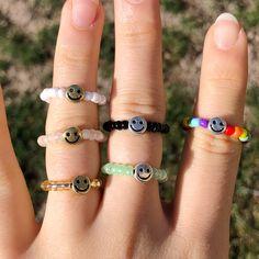 Diy Beaded Rings, Wire Jewelry Rings, Handmade Wire Jewelry, Funky Jewelry, Diy Rings, Cute Jewelry, Jewelry Crafts, Beaded Jewelry, Beaded Bracelets