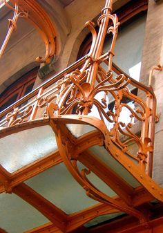 Victor Horta ~ Art Nouveau balcony from timber wood, Brussels, Belgium, Unesco Architecture Art Nouveau, Art Nouveau Interior, Art Nouveau Design, Beautiful Architecture, Beautiful Buildings, Art And Architecture, Architecture Details, Vase Design, Design Art