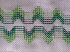 Imagen relacionada Swedish Embroidery, Towel Embroidery, Hand Embroidery Stitches, Ribbon Embroidery, Embroidery Patterns, Free Swedish Weaving Patterns, Monks Cloth, Mini Cross Stitch, Needlepoint Patterns