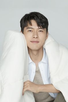 Bodyluv presenter on May 2020 Hyun Bin, Korean Celebrities, Korean Actors, Soul Songs, Lion King Movie, Chick Flicks, Korean Star, Korean Artist, Work Inspiration