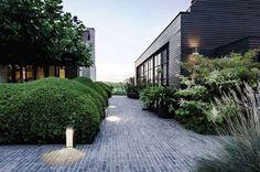 Delta-Light-Aula-Garden-Lights-Gardenista