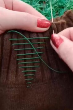Get ready to discover unique items that you won't find in stores. Sewing Lessons, Sewing Hacks, Sewing Crafts, Sewing Projects, Hat Tutorial, Make Your Own Clothes, Clothes Crafts, Clothing Hacks, Summer Diy