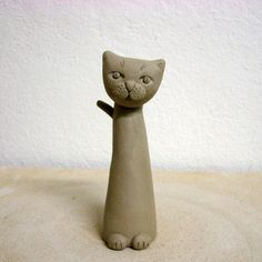Step by step tutorial on making this clay cat. Cute.