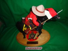 Annalee Canadian Mountie With Horse Doll #361 1994 signature plate Ltd Ed 9959 find me at www.dandeepop.com