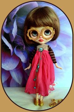 Gorgeous 4 pieces Blythe doll outfit* dress* eyeglasses* shoe* dress hanger*