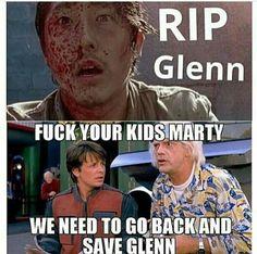 So many great TWD season 7 episode 1 memes! Walking Dead Jokes, Walking Dead Show, Steven Yuen, Rip Glenn, Twd Memes, Dead Pictures, Carl Grimes, Stuff And Thangs, Back To The Future